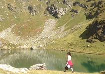 promenade au bord du lac noir Savoie France